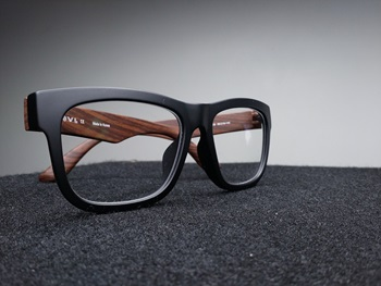 Eyewear Antireflective Coating